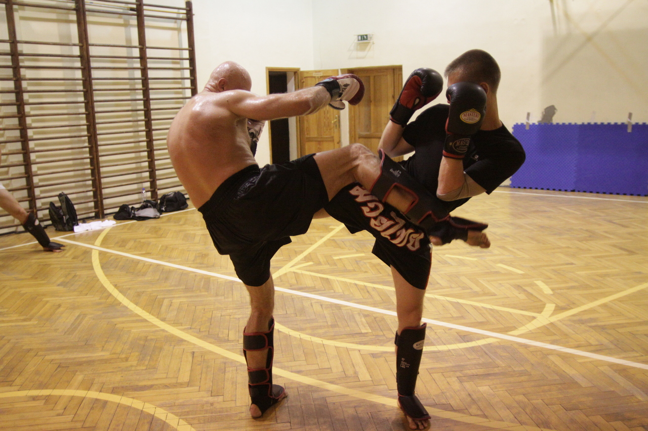 M vs. Z - Muay Thai 300